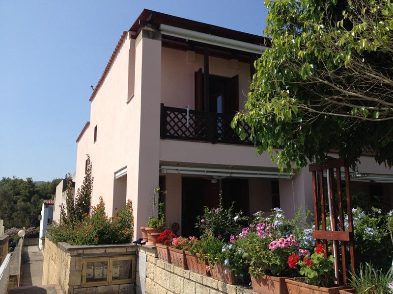 Villa con giardino ad Agnone vicino al mare