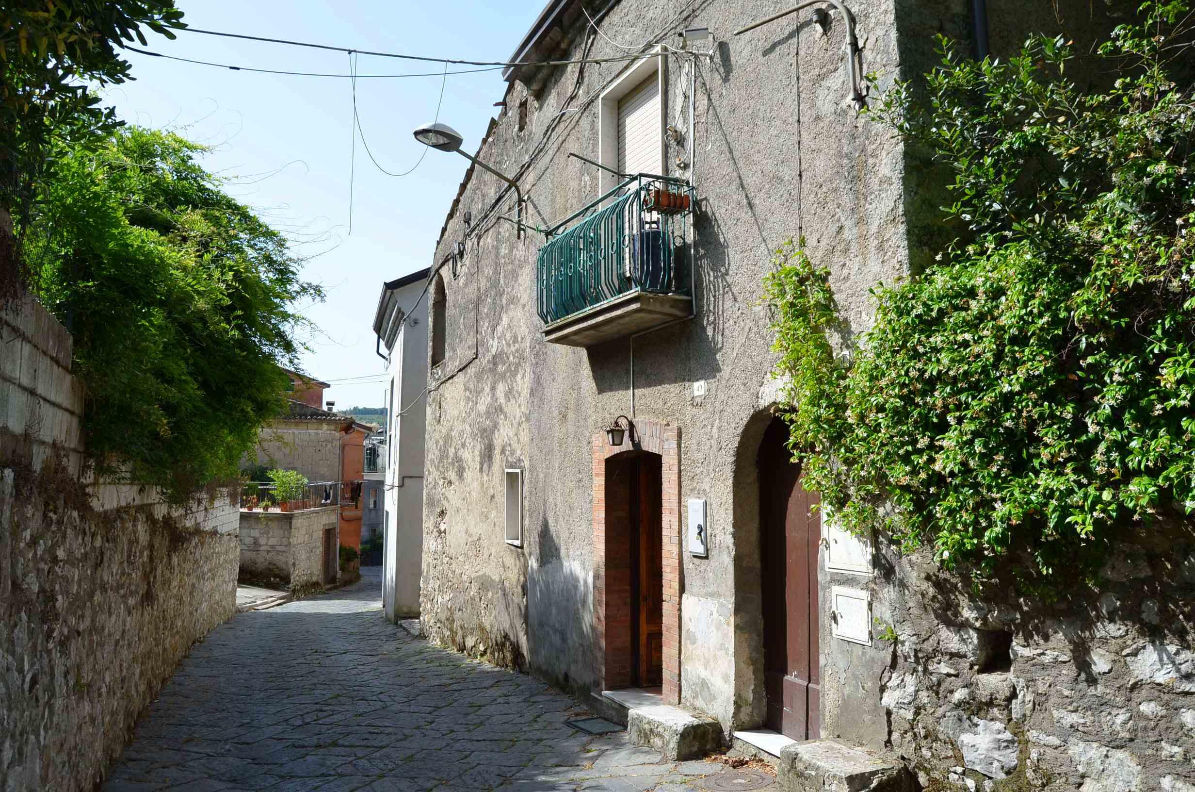 Casa indipendente ristrutturata con giardino a Forino