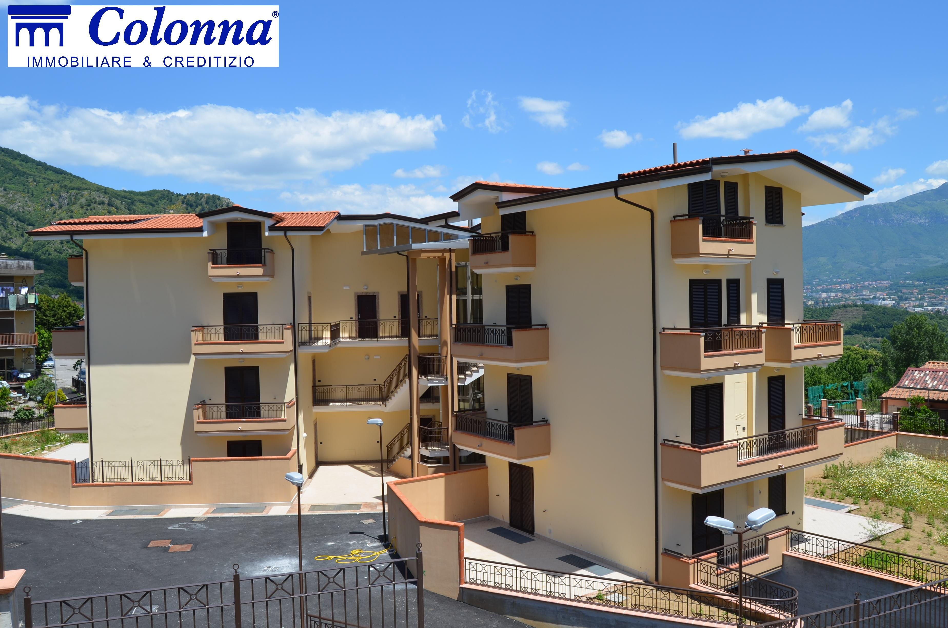 Appartamento di nuova costruzione con terrazzo e giardino a Pellezzano