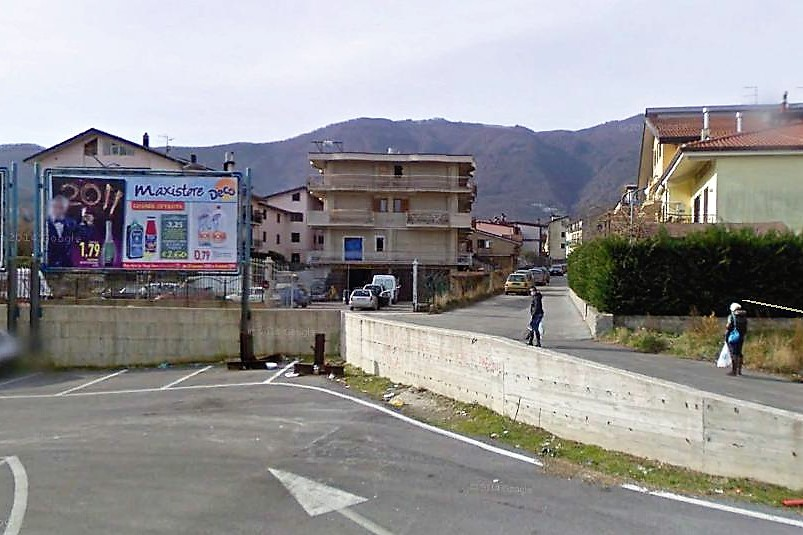 Monteforte Irpino (AV) Localita' via Valle nei pressi del centro comm. Monte Doro