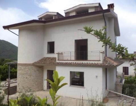 Solofra (AV) Via Castello