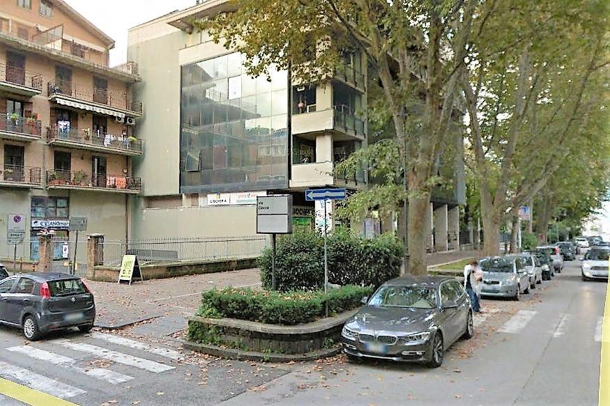 Avellino (AV) Via Fratelli Ciocca,  traversa di Viale Italia