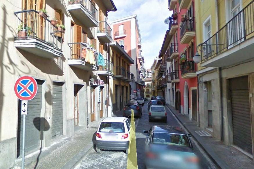 Avellino (AV) Via Modestino del Gaizo locale commerciale