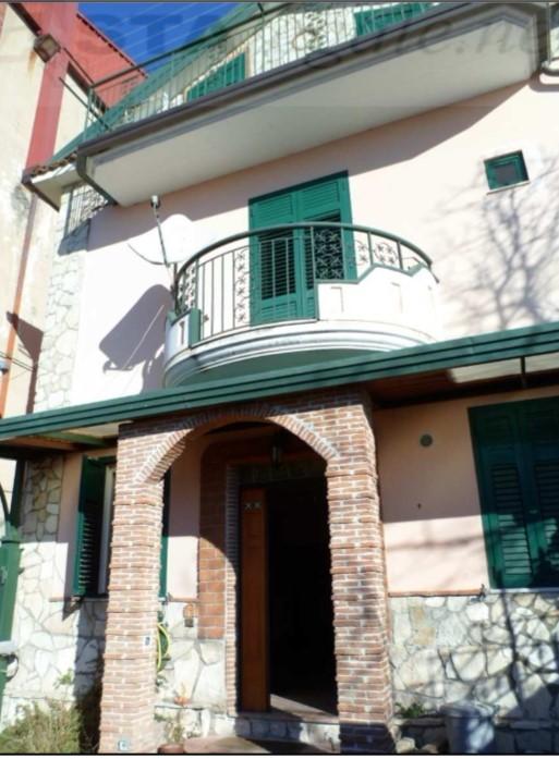 Monteforte Irpino (AV) Vicolo S. Caterina