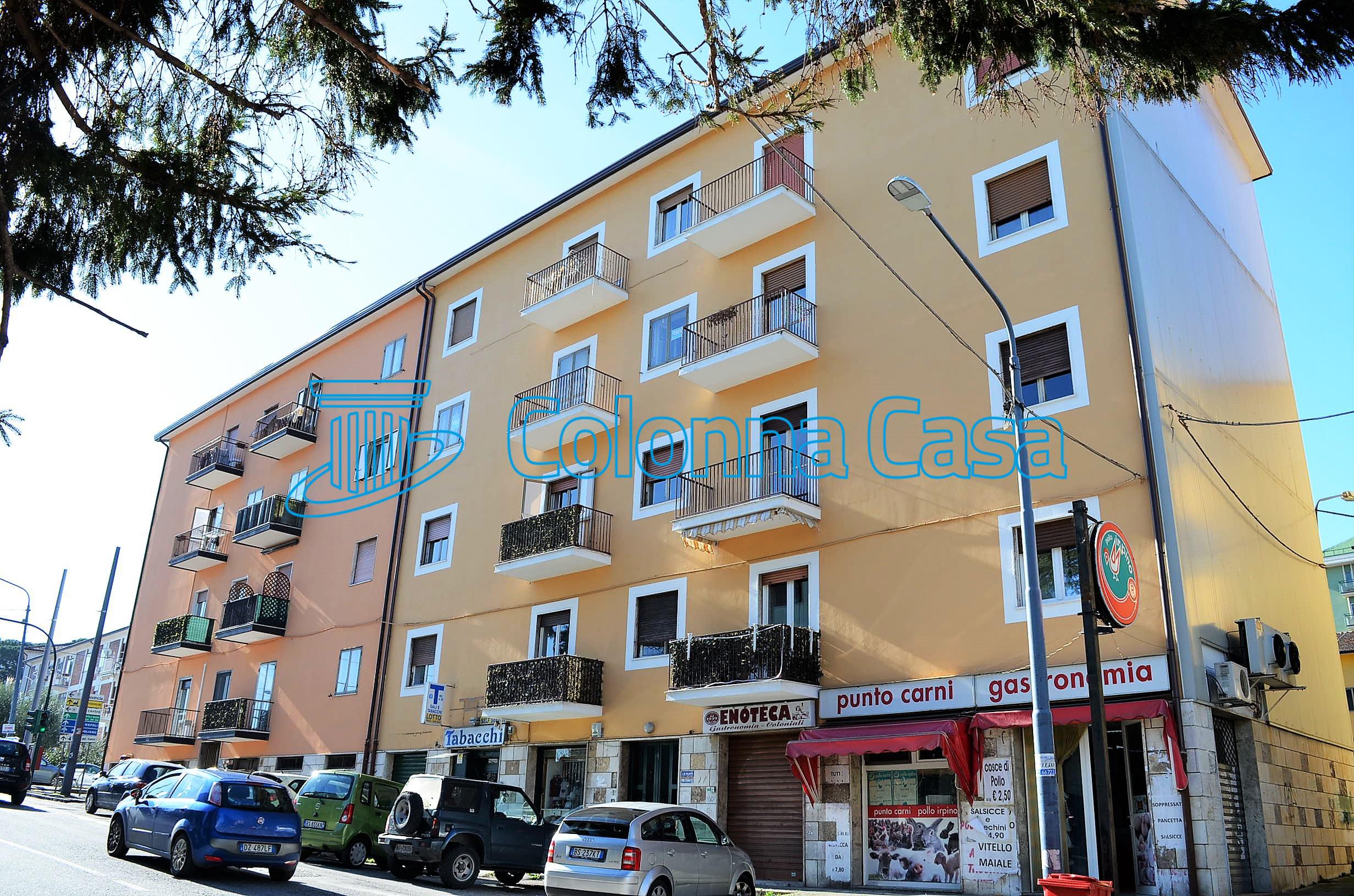 Appartamento con cantina in via Aversa
