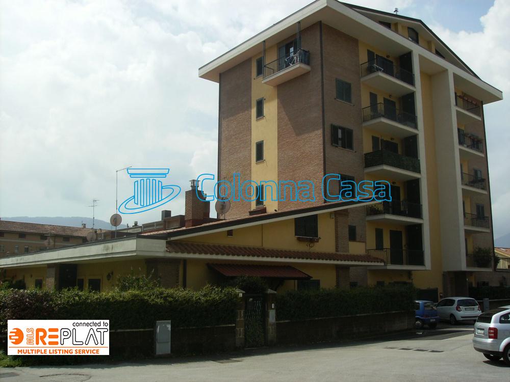 Appartamento duplex con box auto in zona Valle