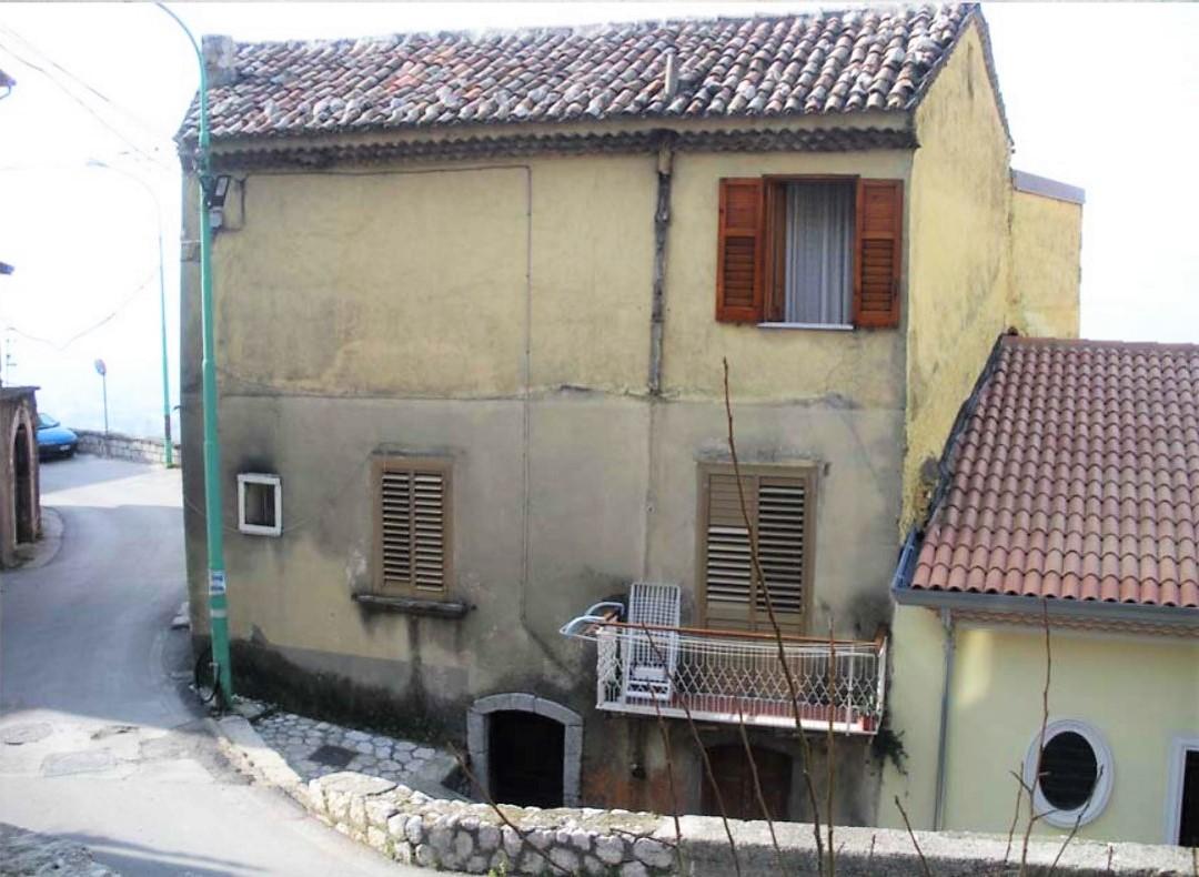 Mercogliano (AV) Via Roma