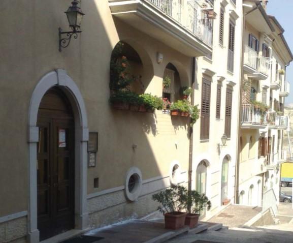 Avellino (AV) Via Rampa Tofara trav. P.zza Castello