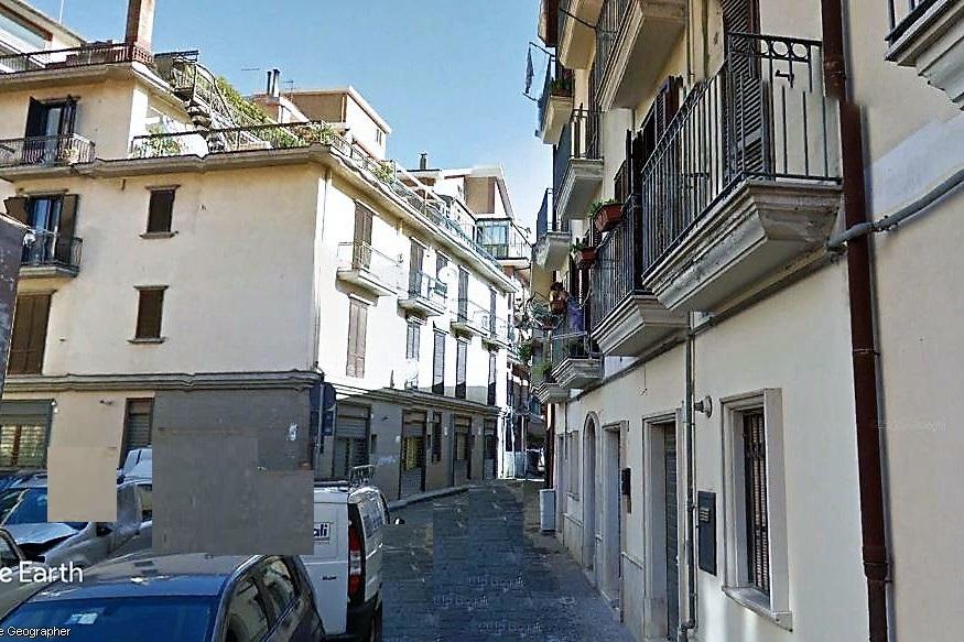Avellino (AV) Via Oblate centro storico