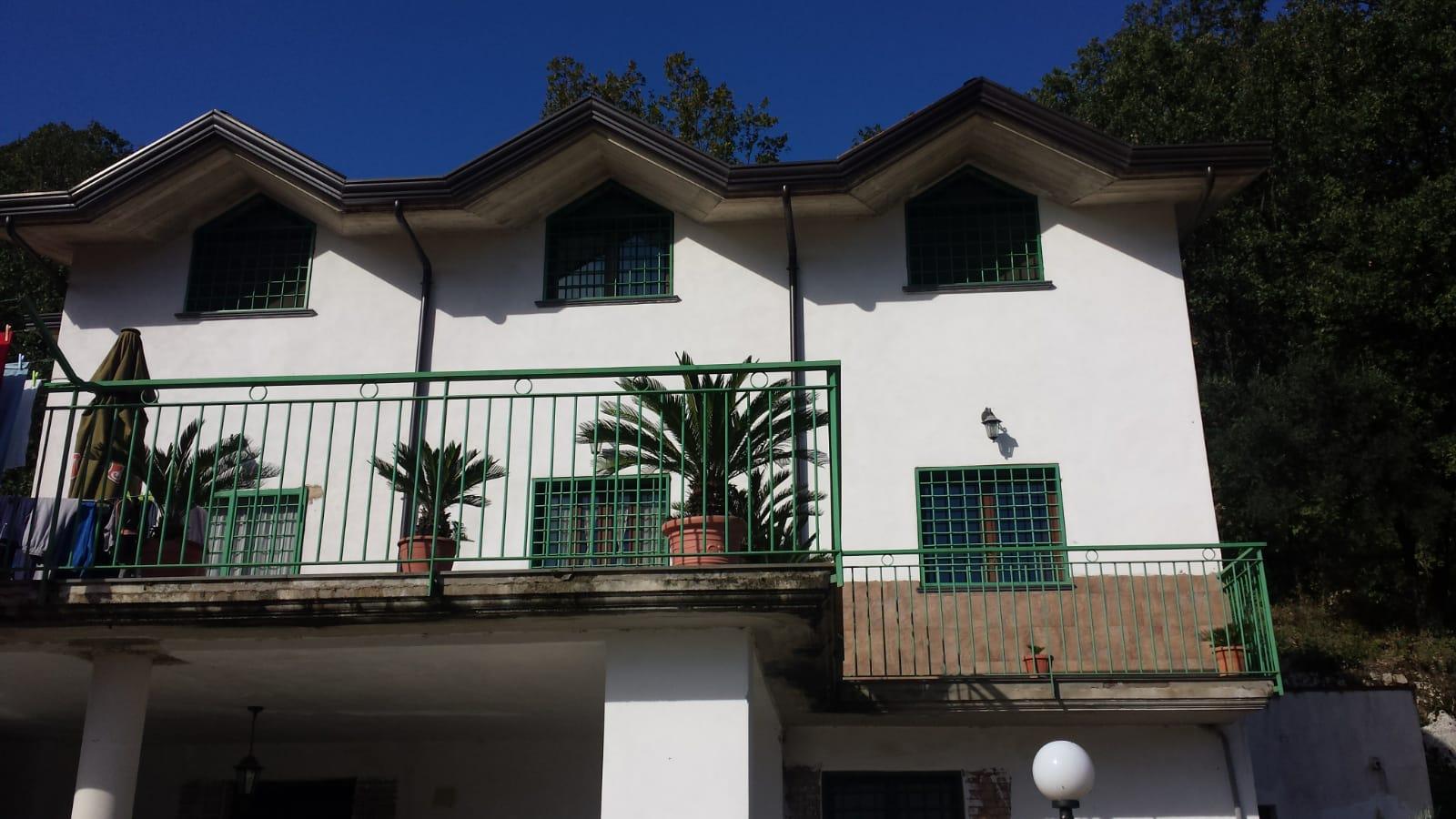 Villa indipendente con terreno di circa 2000 mq a Montoro