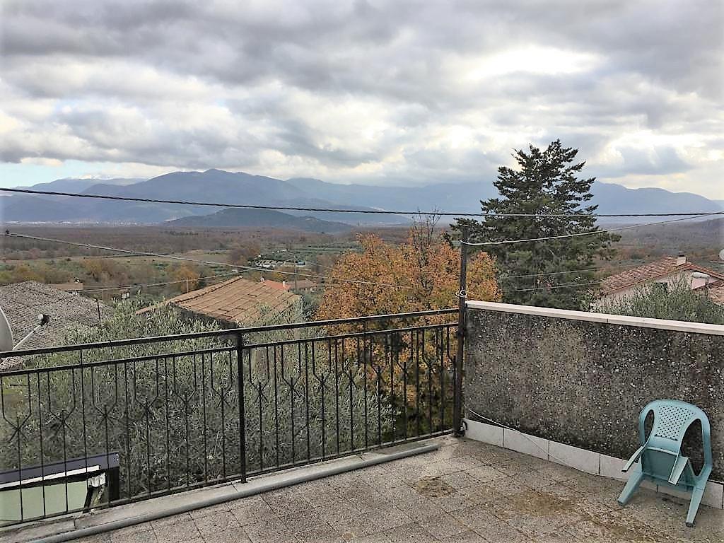 Appartamento con terrazzo a Colli a Volturno a 15 Km da Isernia