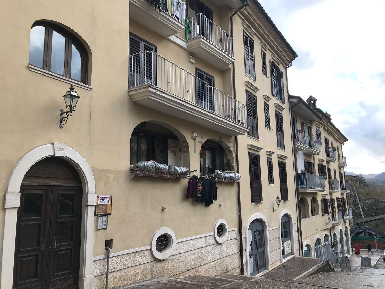 Avellino Centro storico 3 vani con box