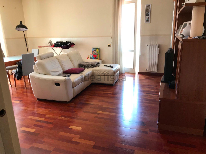 Avellino (AV) Duplex Viale Italia con box auto