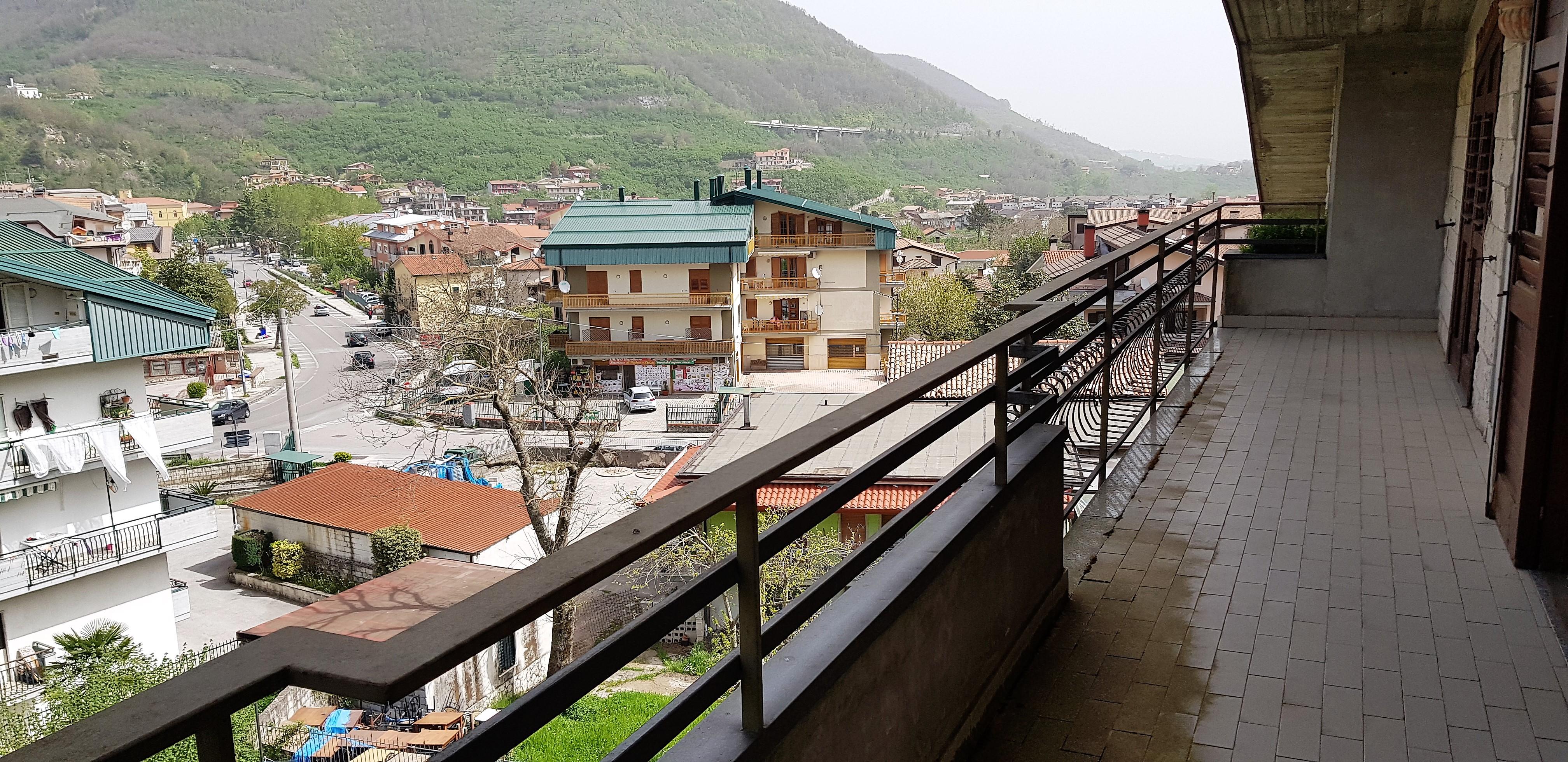 Monteforte Irpino (AV) Appartamento mansardato con posto auto