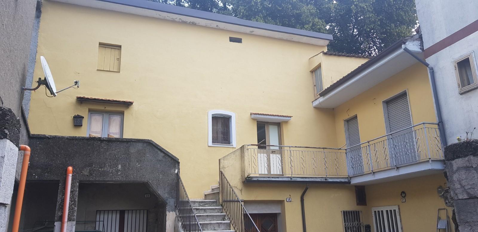 Forino (AV) Appartamento semindipendente con terrazzo