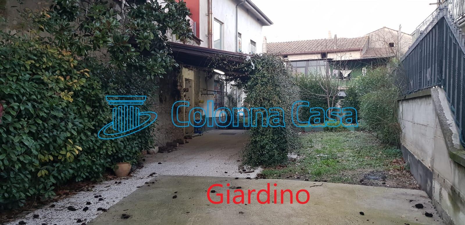 Montoro (AV) Casa indipendente con terrazzo e giardino