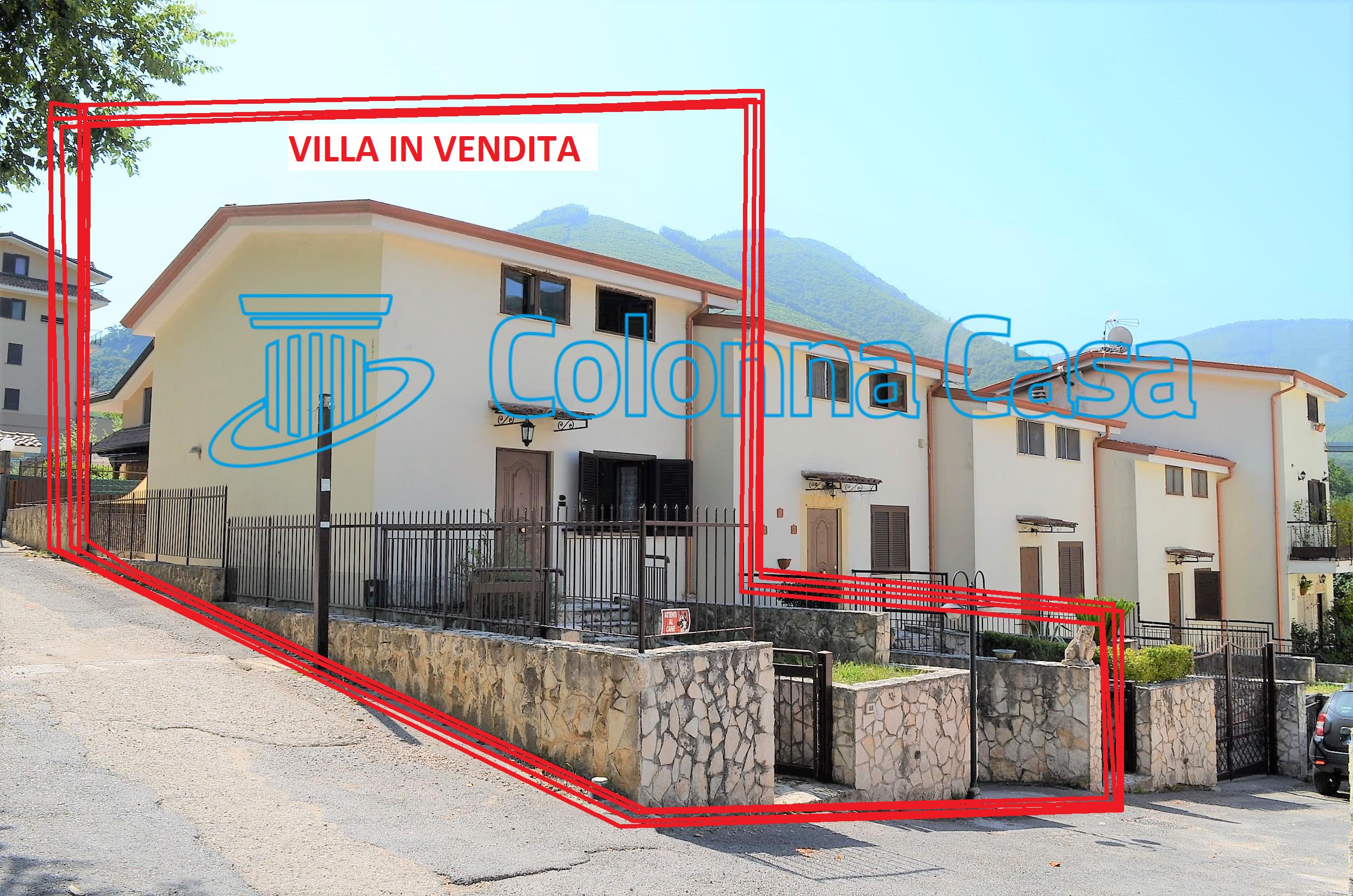 Monteforte Irpino (AV) A pochi km da Baiano villa su tre livelli con giardino