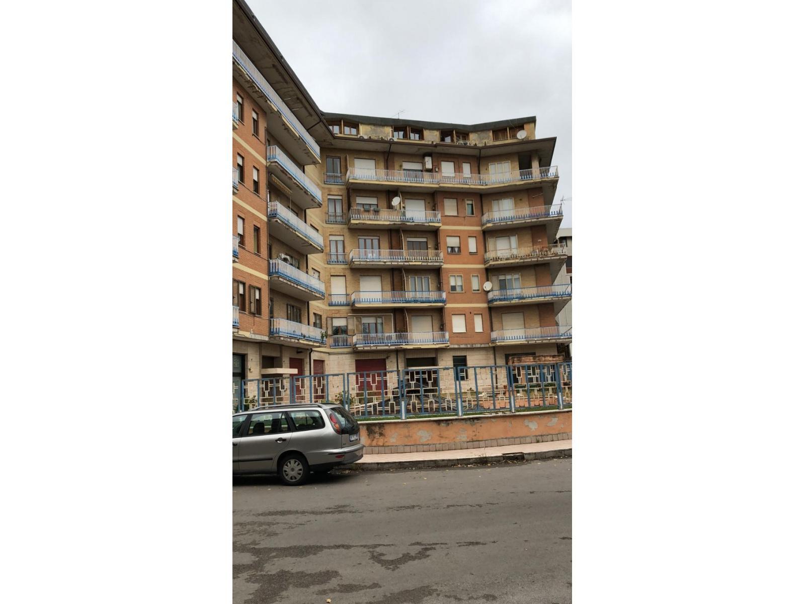 Avellino (AV) Via di Guglielmo 3 vani con sottotetto