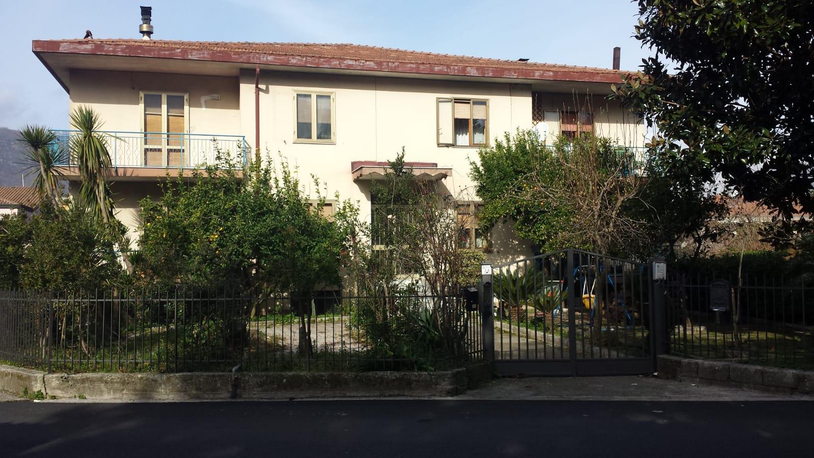 Montoro (AV) San Pietro Appartamento con doppia cantina