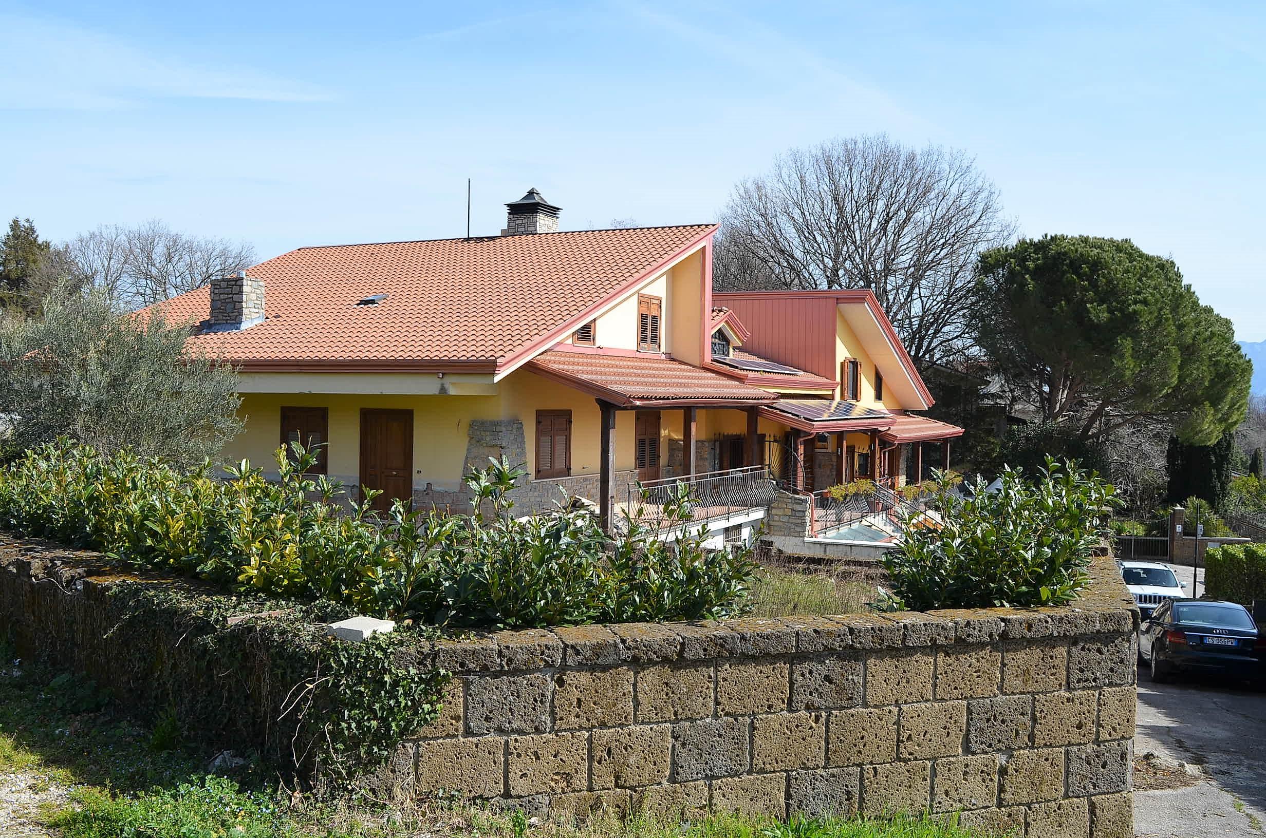 Mercogliano (AV) Villa con giardino