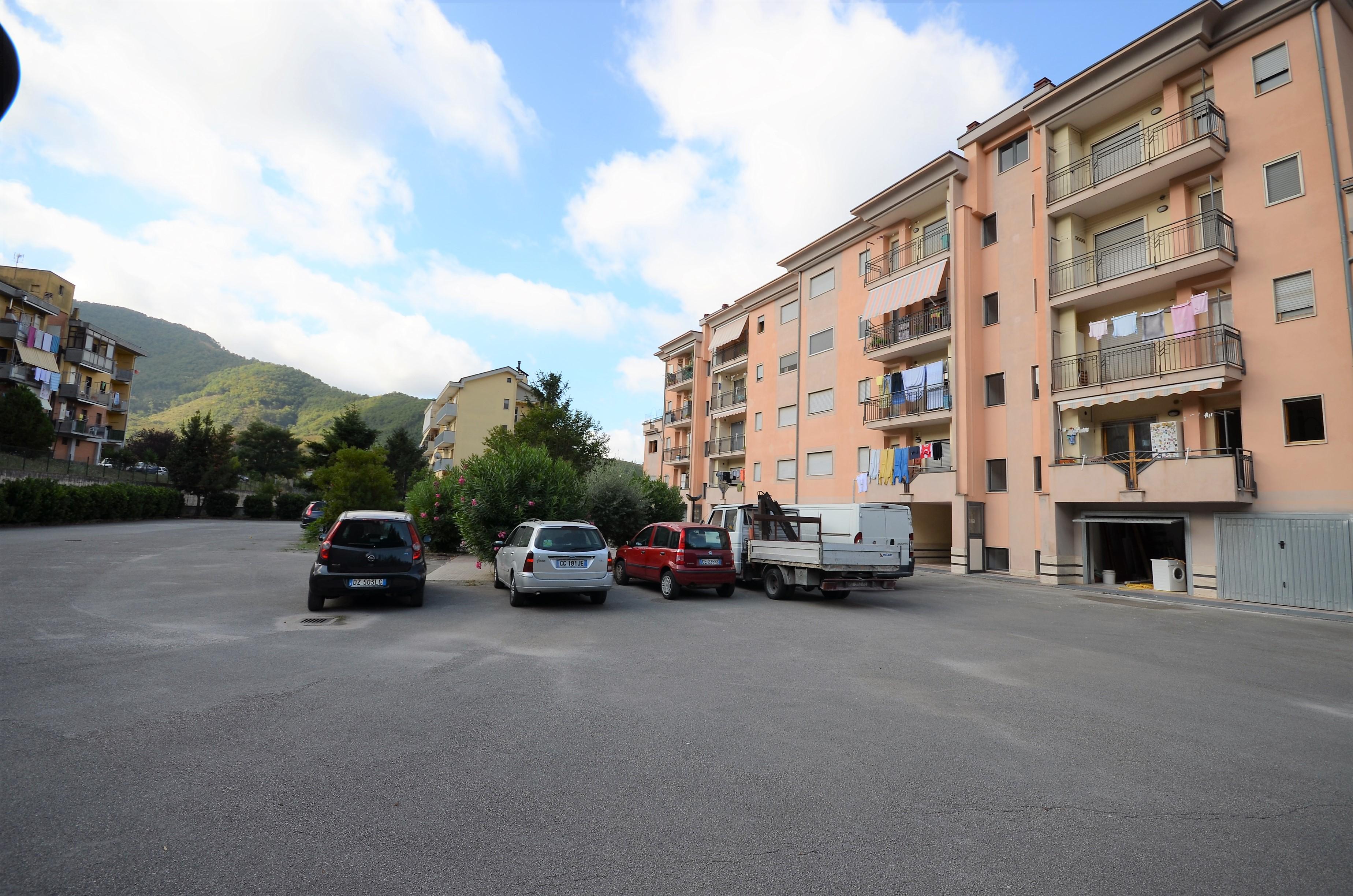 Fisciano (SA) Appartamento tre vani con doppio box auto zona Penta