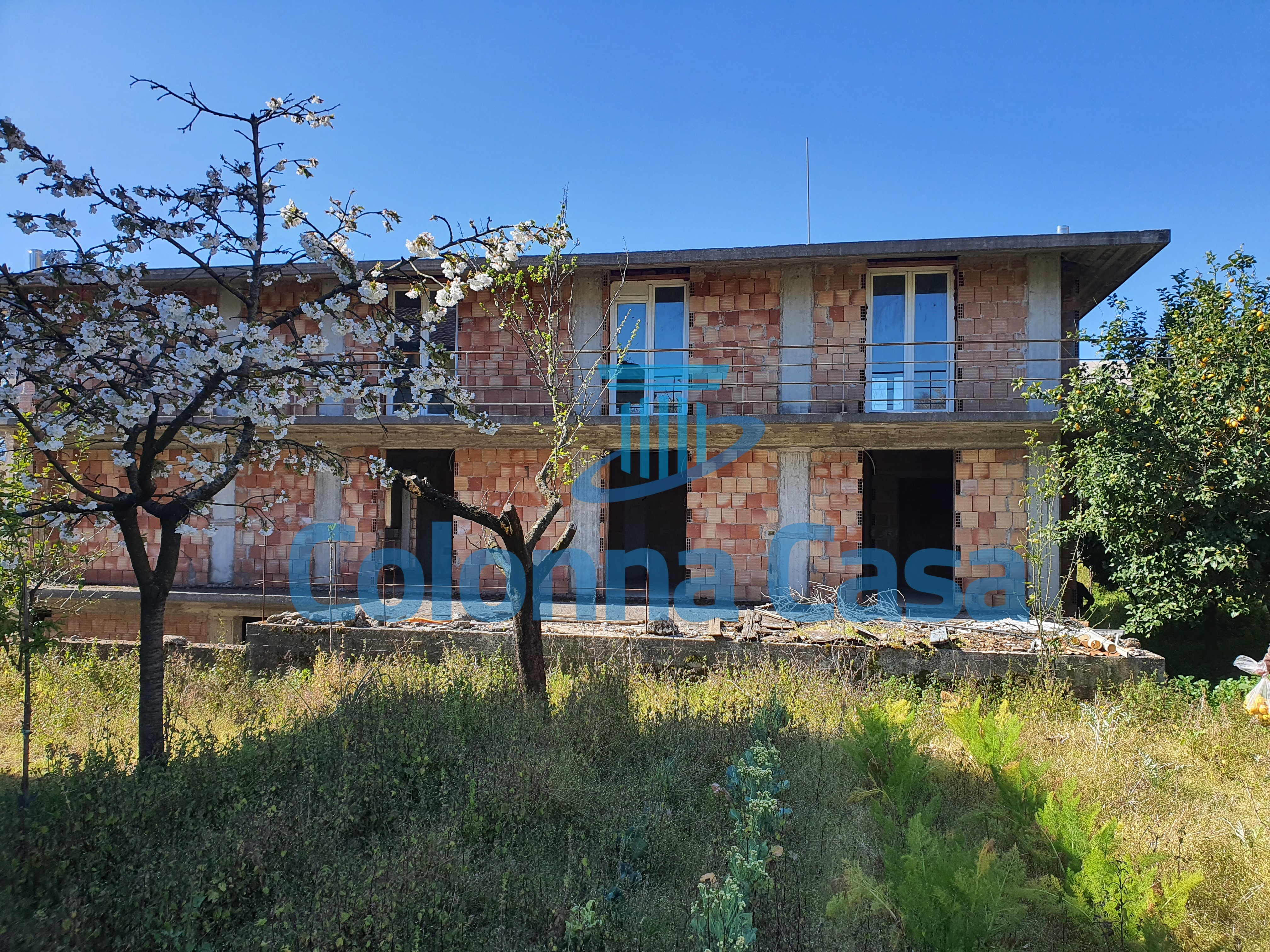 Montoro (AV) Villa indipendente allo stato grezzo con giardino
