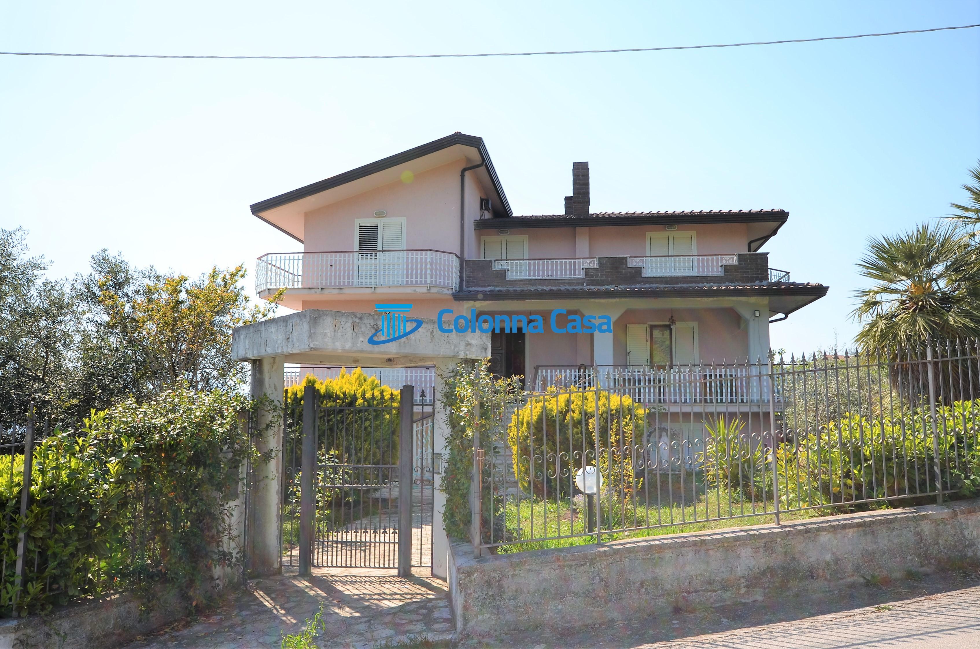 Montemiletto (AV) Villa indipendente con terreno