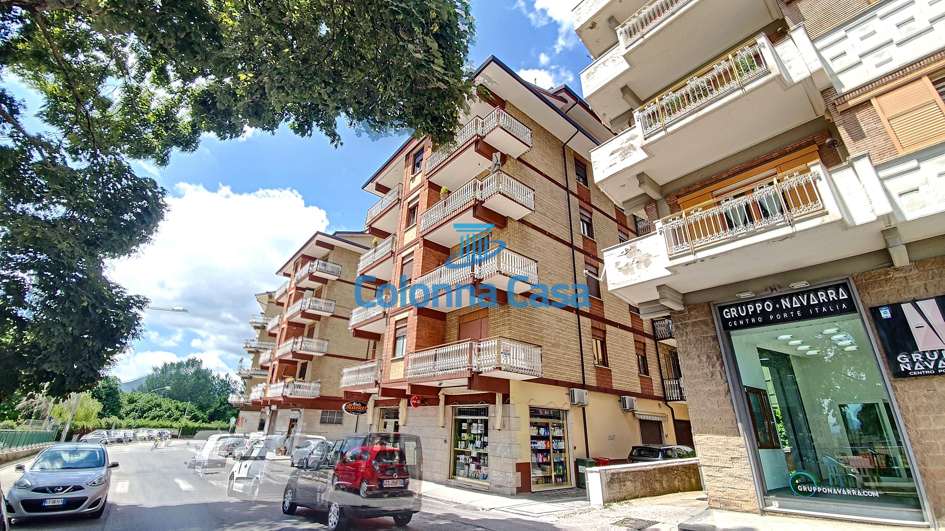 Avellino (AV) Appartamento con box in via Morelli e Silvati